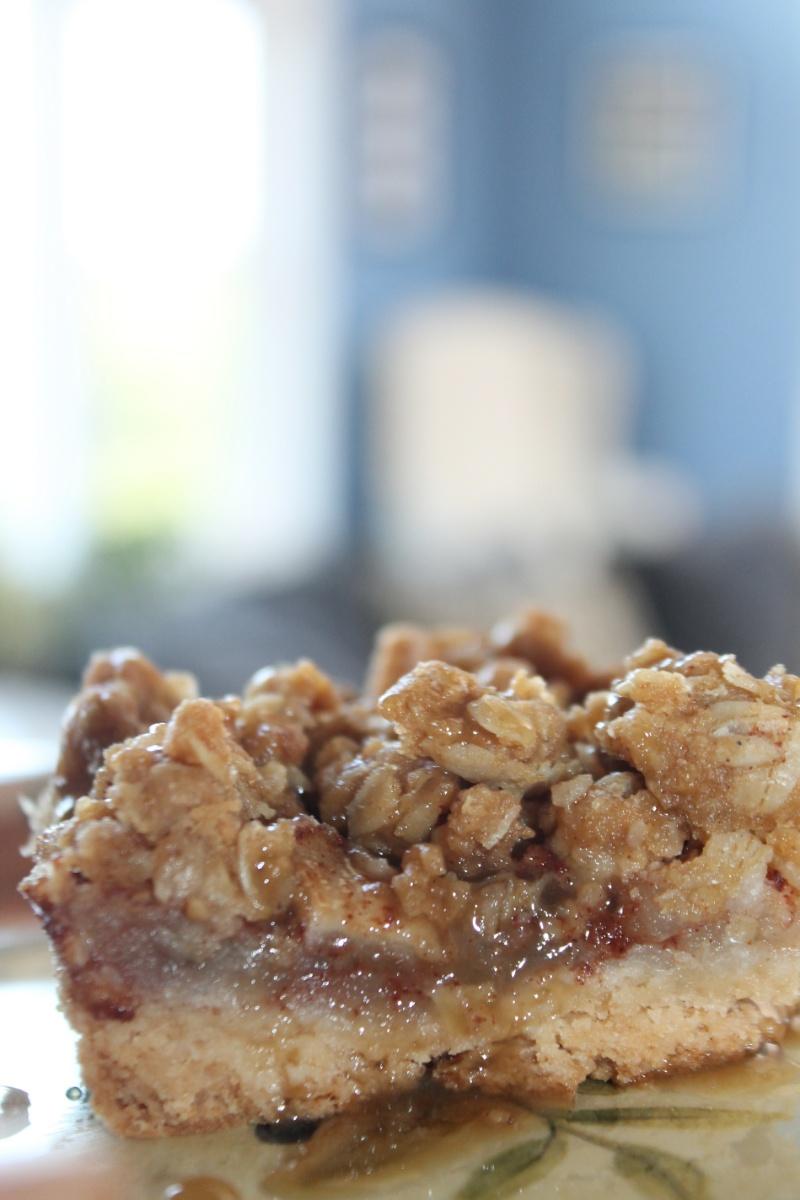 Peanut Butter Apple Crisp Bars with Coconut Caramel Sauce ...