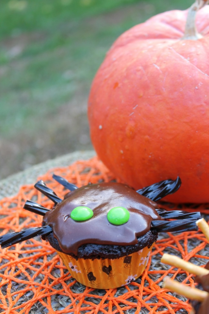 Gut-sy Spider Cupcakes | The Lazy Vegan Baker